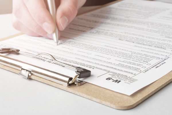 How to Create an Affidavit of Identity Form (With Examples)